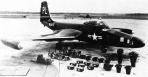 F2H-2P (Equipo fotográfico. Camera equipment)