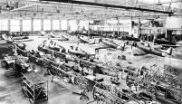 Fabricación del BT-9 en Saint Louis (Missouri), 1936. Building BT-9s at Saint Louis plant (Missouri), 1936